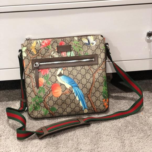 38e9aa43244c Gucci Handbags - 100% Authentic Gucci Tian Crossbody Messenger Bag